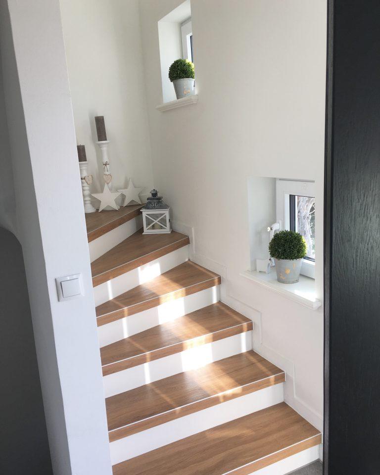 treppenhaus makeover sanierung im 60 jahre flur fr ulein emmama. Black Bedroom Furniture Sets. Home Design Ideas